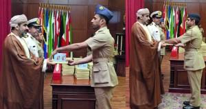 كلية القيادة والأركان تحتفل بتخريج ملتحقي الدورة 32