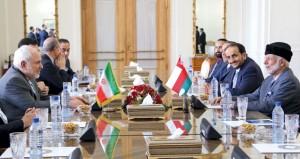 السلطنة وإيران تبحثان حرية الملاحة في هرمز