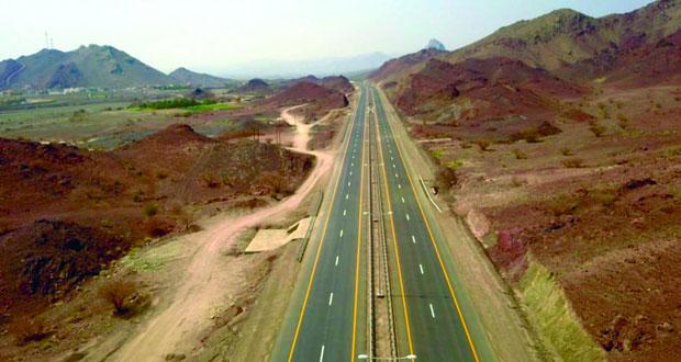 افتتاح 8 كيلومترات من ازدواجية طريق عبري ـ ينقل