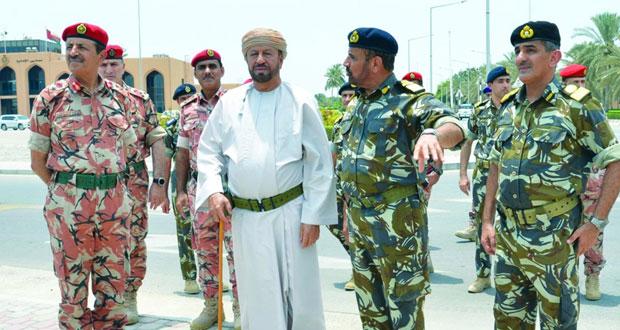 الوزير المسؤول عن شؤون الدفاع يزور عددا من وحدات منطقة الباطنة البحرية و قاعدة سعيد بن سلطان البحرية