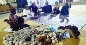 ولاية مرباط تبدع في المشاركة الثقافية التراثية الشعبية بلوحات تجسد أوبريت (قابوس المجد)