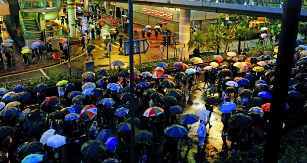 احتشاد جديد بهونج كونج .. والحكومة: نستخدم الحد الأدنى للقوة