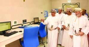 وزير الصحة يدشن وحدة الطب النووي وجناح التمريض الخاص بمستشفى السلطان قابوس بصلالة