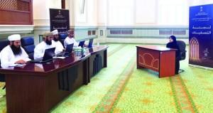 لجنة التصفيات الأولية لمسابقة السلطان قابوس للقرآن الكريم الـ(29) تزور مركز مدحاء