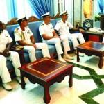 وزير الدولة ومحافظ ظفار يستقبل قائد السفينة الإيطالية (MARCEGLIA)