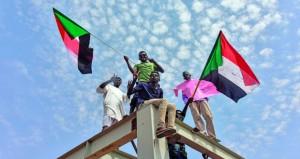 السودان يبدأ عهدا جديدا.. التوقيع على وثيقة (الدستوري) بصفة نهائية