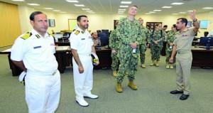 وفدان أميركي وهندي يزوران مركز الأمن البحري