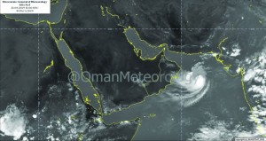العاصفة المدارية (هيكا) تبدأ تأثيراتها المباشرة على جنوب الشرقية والوسطى