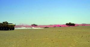 قوة الحدود التابعة للواء المشاة (11) بالجيش السلطاني العماني تختتم تمرين (السهم القاتل) ببيان عملي بالذخيرة الحية