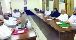 الشؤون البلدية بالعامرات توصي بإعداد قوائم بالخدمات والمشاريع المستقبلية