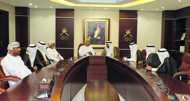 خالد بن حمد يستقبل مستشار شؤون الشباب والرياضة بالبحرين