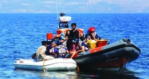 البحرية الليبية: إنقاذ 300 مهاجر شمال طرابلس