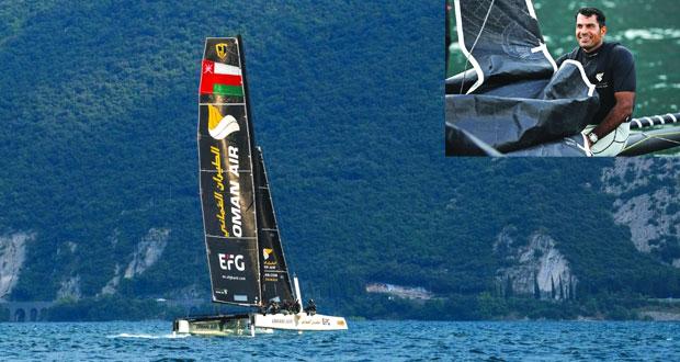 """قارب """"الطيران العُماني"""" ثانياً في ختام سباقات اليوم الثالث ويسعى لتقليص الفارق مع المتصدر"""