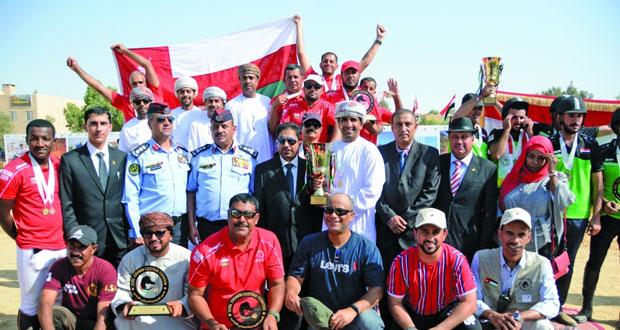 السلطنة تتوج بلقب البطولة العسكرية الدولية الأولى لالتقاط الأوتاد بالأردن