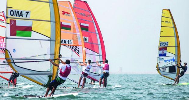 بحّارة عُمان للإبحار يستعدون للمشاركة في البطولة العربية بشواطئ الإسكندرية