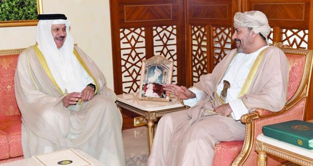 وزير الداخلية يستقبل الأمين العام لمجلس التعاون