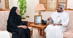 وزير الخدمة المدنية يستقبل أمين عام جائزة التميز الحكومي العربي