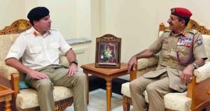 أحمد النبهاني يستقبل مساعد رئيس الأركان البريطاني