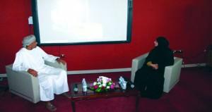 الجمعية العمانية للكتاب والأدباء فرع البريمي يستضيف الرائد المسرحي أحمد الجابري
