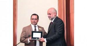 حسن المطروشي يتسلم جائزة توليولا للشعر العالمي في مجلس الشيوخ الإيطالي