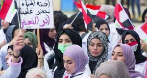 العراق يترقب إعلان إقالة الحكومة .. والمظاهرات مستمرة