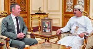 وزير المكتب السلطاني يستقبل نائب مساعد وزير الدفاع الأميركي لشؤون الشرق الأوسط
