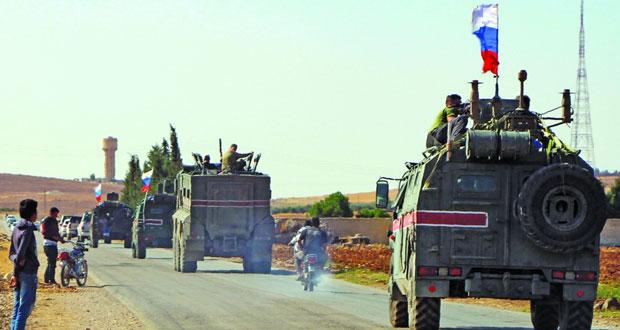 سوريا: أميركا تعلن انسحابا كاملا للأكراد من المنطقة الحدودية .. وأنقرة تتحدث عن بدء الجهود المشتركة مع روسيا