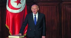 قيس سعيد يؤدي اليمين رئيسا لتونس ويقترح التبرع بيوم عمل لخلاص الديون