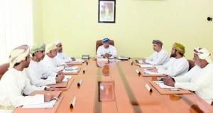 اللجنة العليا لانتخابات أعضاء مجلس الشورى تطلع على الاستعدادات اللازمة لسير عملية الانتخاب الأحد القادم