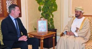 بدر بن سعود يستقبل نائب مساعد وزير الدفاع الأميركي للشرق الأوسط والأمين العام لمجلس التعاون لدول الخليج العربية