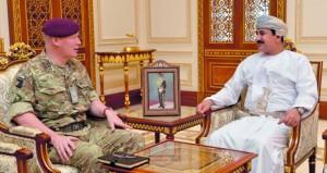 وزير المكتب السلطاني يستقبل كبير مستشاري الدفاع بوزارة الدفاع البريطانية لشؤون الشرق الأوسط