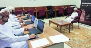 لجنة التصفيات الأولية لمسابقة السلطان قابوس للقرآن الكريم الـ(29) تستمع الى (128) متسابقا بسمائل