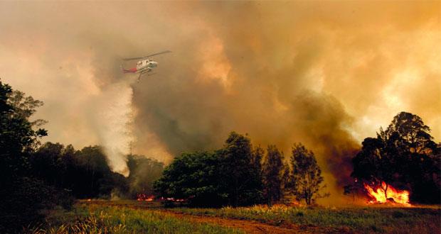 حرائق غابات أستراليا تودي بحياة 3 وتدمر عشرات المنازل