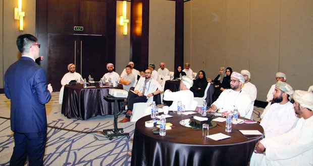 مركز عمان للوجستيات ينظم حلقة عمل في مجالي البحث والتطوير
