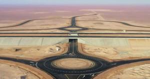 """""""النقل"""" تواصل تنفيذ مشاريعها الاستراتيجية في قطاعات الطرق والموانىء والمطارات"""