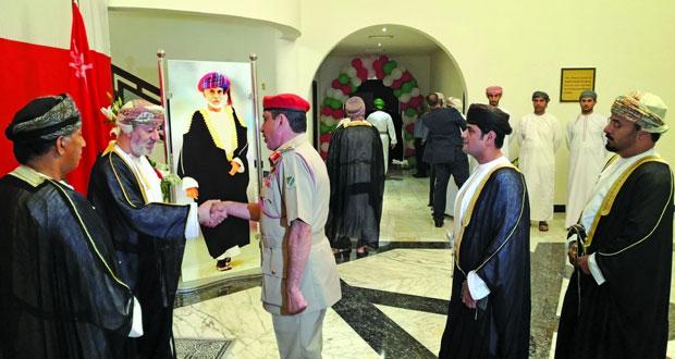 وزير الدولة ومحافظ ظفار يستقبل المهنئين إحتفالا بالعيد الوطنى (التاسع والأربعين) المجيد