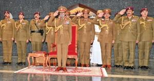 جلالة السلطان يشمل برعايته السامية العرض العسكري بمناسبة العيد الوطني المجيد