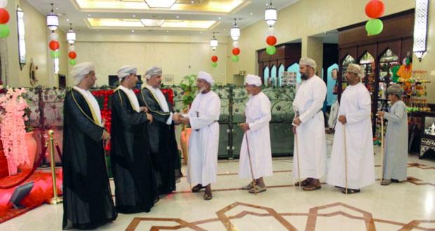 تواصل الاحتفالات بعدد من محافظات وولايات السلطنة بمناسبة العيد الوطني الـ(49) المجيد