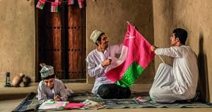 عماد الرجيبي يوثق المشاهد الاجتماعية والمناسبات الوطنية بالسلطنة