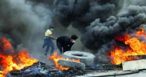 الاحتجاجات العراقية تغلق مدخل (أم قصر) والطريق المؤدي لمصفاة التكرير بكربلاء