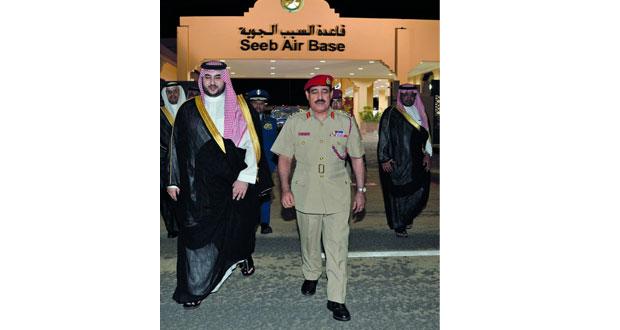 نائب وزير الدفاع السعودي يغادر البلاد