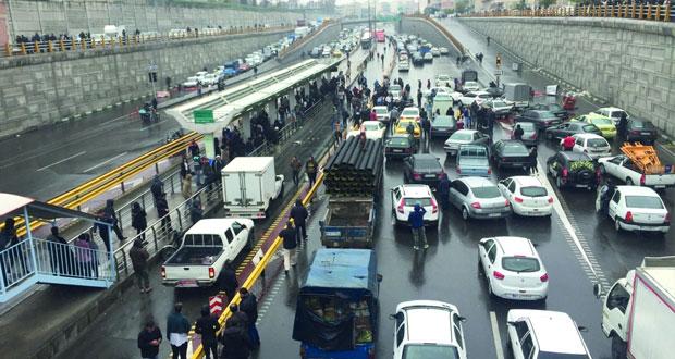 المركزي الإيراني: رفع أسعار البنزين يشكل 4% من معدل التضخم