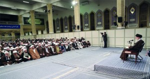 طهران تعلن اعتقال ألف محتج .. و تؤكد توفر كافة السلع الأساسية