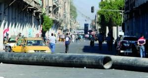 احتجاجات العراق مستمرة.. قتلى جدد وإضراب وانقطاع الإنترنت