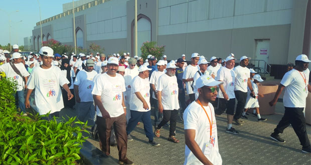 نجاح فعالية المشي للتوعية بالسرطان