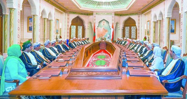 جلالة السلطان يترأس اجتماع مجلس الوزراء ويوجه بتهيئة كل الظروف الملائمة للارتقاء بمستوى الأداء