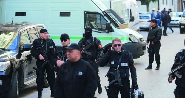 الجزائر: السجن لرئيسي وزراء سابقين