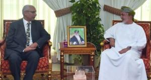 وزير التنمية الاجتماعية يستقبل ممثل المكتب شبه الإقليمي للسكان في السلطنة