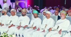 استعراض تجارب دولية ومحلية في تطورات ومستجدات عالم الموارد البشرية في مؤتمر (الموارد البشرية قلب الأعمال)