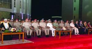 الكلية العسكرية التقنية تحتفل بتخريج الدفعة الثانية من حملة البكالوريوس والدفعة الثالثة من حملة الدبلوم المتقدم برعاية الوزير المسؤول عن شؤون الدفاع